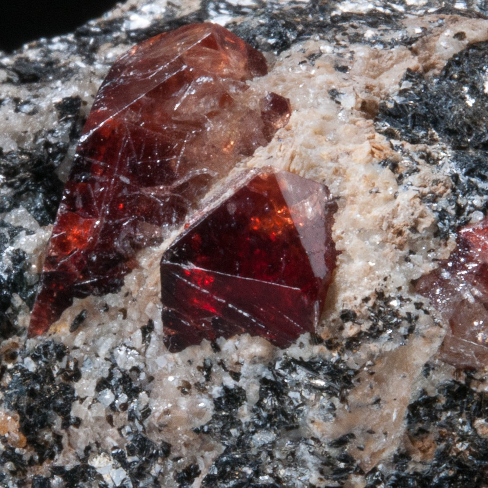 zircon dating rocks